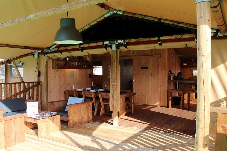 Luxury lodge tent terras