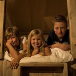 De bedstee geeft slaapplaats voor 2 kinderen