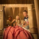 De bedstee in safaritent van Glamping4all geeft slaapplaats voor 2 kinderen
