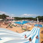 Waterglijbanen op camping Cypsela Resort