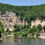 Rivier met bootjes op de Dordogne