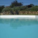 het zwembad bij Eco lodge Bergerac