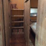 Luxury Lodge tent kledingkast bij slaapkamer