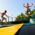 Vestar trampoline springen