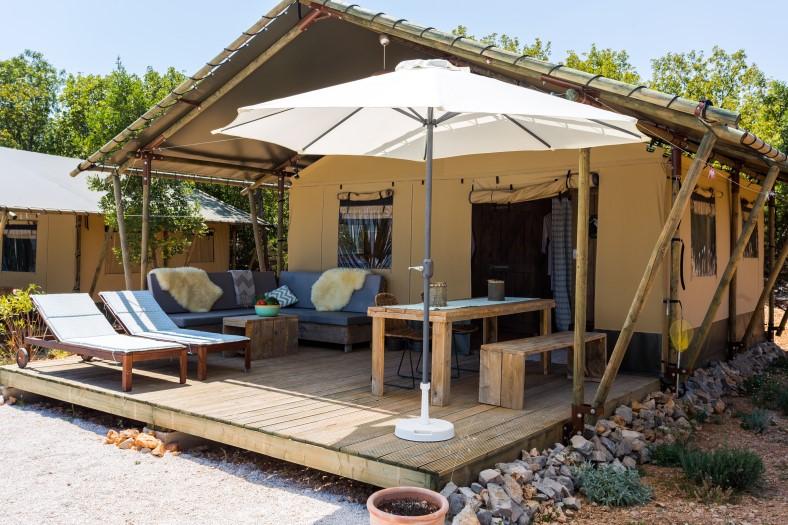 Nono ban kroatië eiland brac luxe safaritent p