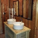 Badkamer met 2 wastafels Safari Lodge 8p Club les Pins