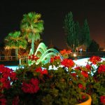 Vilanova Park zwembad by night