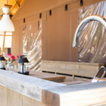Desert lodge buiten keuken