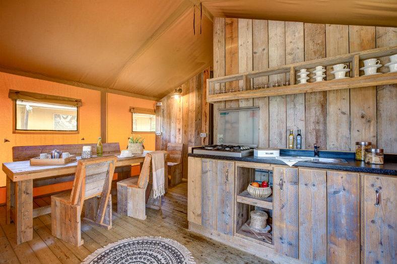 Sandaya Lodge Luxe woonkamer keuken