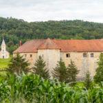 Omgeving Heart of Nature, kerkje en oude gebouwen