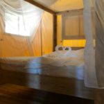 Glamping Resort Vallicella hemelbed in Safari lodge