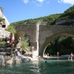 Zwemmen in de rivier bij Les Rives du Lac
