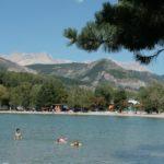 Zwemmen in het meer bij camping Les Rives du Lac