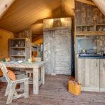 Domaine du Verdon Safarizelt 4 Personen Wohnzimmer