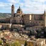 Urbino in de buurt van San Marino