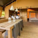 Lodge Zelt 5 Personen, Terrasse mit Esstisch