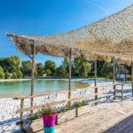 Croix du Vieux Pont-Het strand bij de zwemvijver