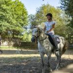 Paardrijden bij Le Col Vert in het hoogseizoen
