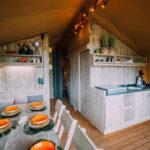 Keuken en eetgedeelte Woody 38