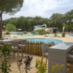 Terras en zwembaden van Le Plein Air des Chênes