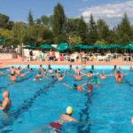 Animatie bij het zwembad van camping Pian di Boccio