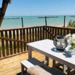 Villa Alwin Beach Resort met zeezicht