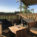 Village Flottant de Pressac: Overdekt terras van safaritent