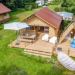 Cozy lodge watersportcamping Heeg ruim opgezet
