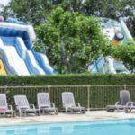 camping les Franquettes glijbanen bij zwembad